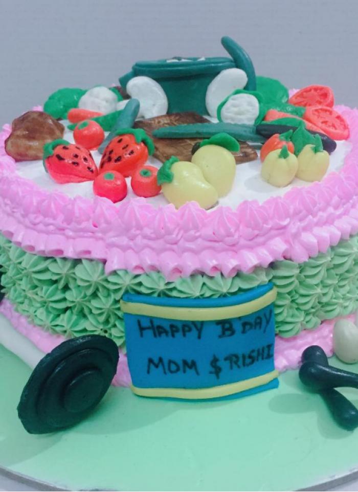 Gym theme based cake