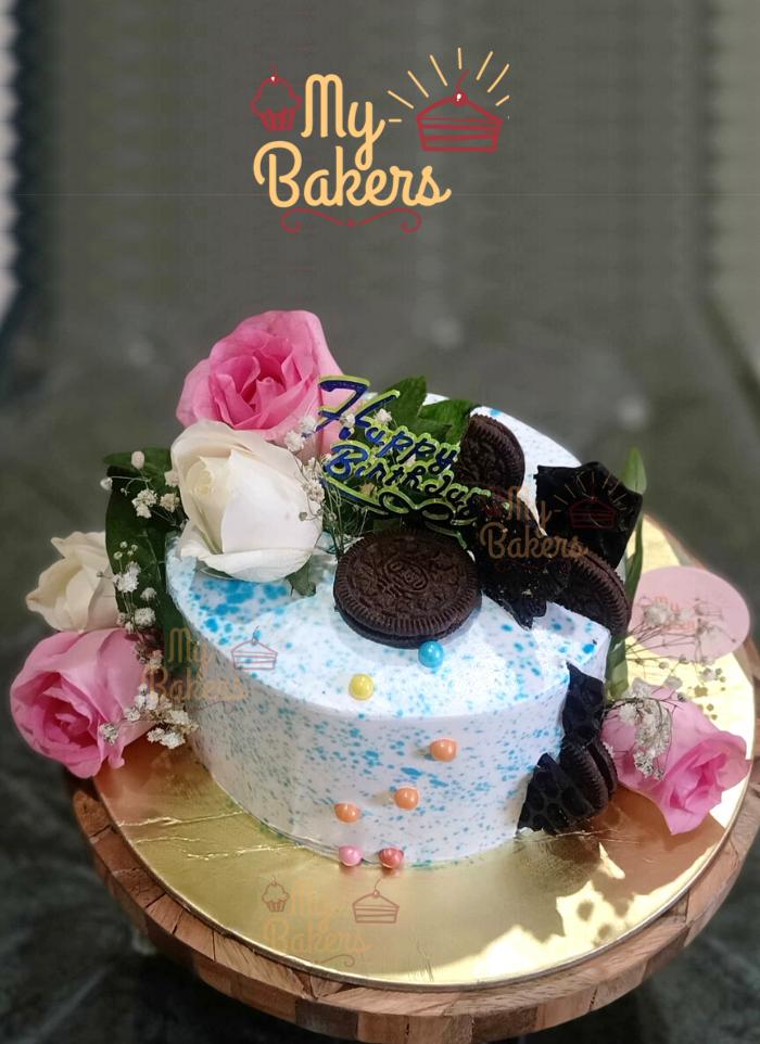 Fresh Flower with Oreo and Chocolate Cake