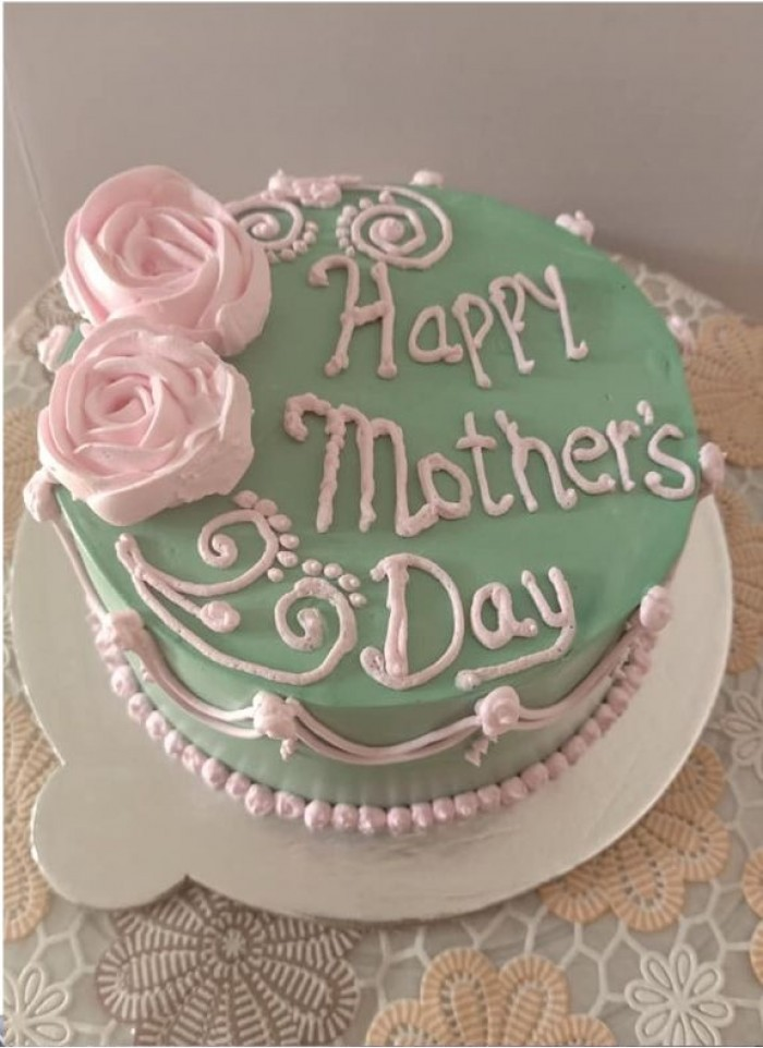 Cake For Mom With Creamy Flowers